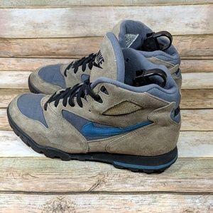 742e10823b8 Nike 940608-IB Vintage 93 Caldera Hiking Boots